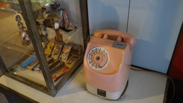 やまびこ学校(昭和パビリオン)商店街公衆電話