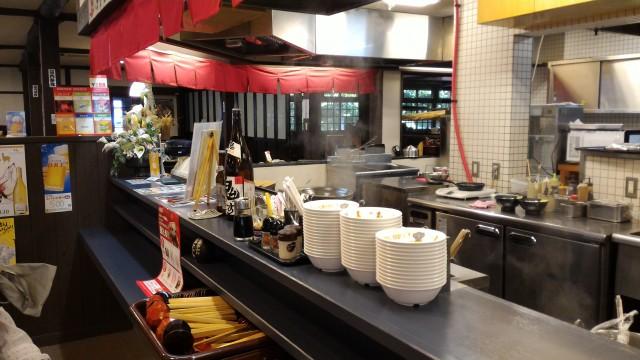 日本昭和村(岐阜県美濃加茂市)の農家レストラン「やまびこ」カウンター付近
