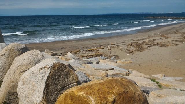 伊良湖岬・フェリー乗り場から歩き始めた海岸