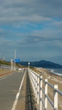 「日出の石門」海岸沿いの無料駐車場からみた東側サイクリングロード