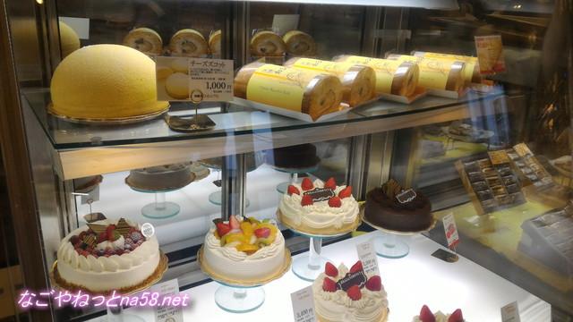 洋菓子フィレンツェ大治店のケーキ陳列棚