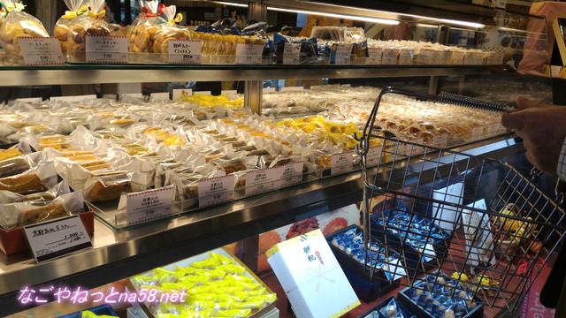 洋菓子フィレンツェ大治店の洋菓子陳列棚