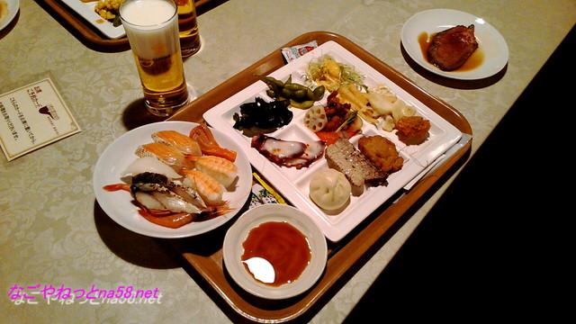 熱海温泉「熱海ホテルパイプのけむり」の夕食飲み放題付きバイキング
