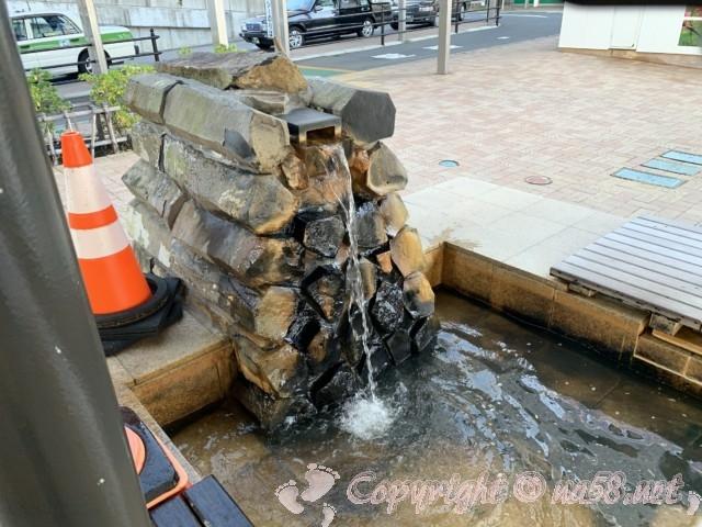 JR熱海駅間前(静岡県熱海市)の足湯(家康の湯)の湯口