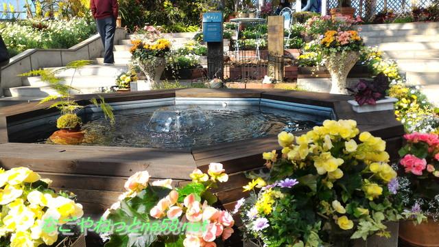 佐布里池の梅林(愛知県知多市)梅まつりの会場の温室飾り