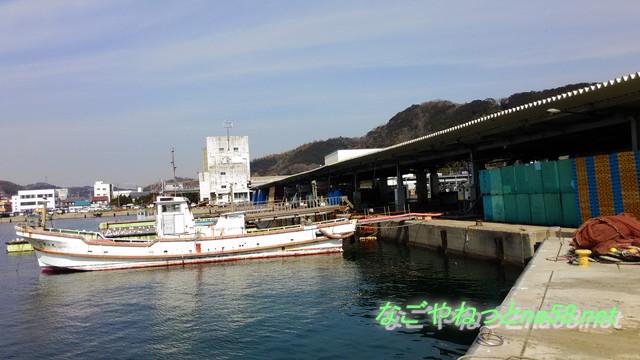 愛知県南知多豊浜の「魚ひろば」の豊浜漁港