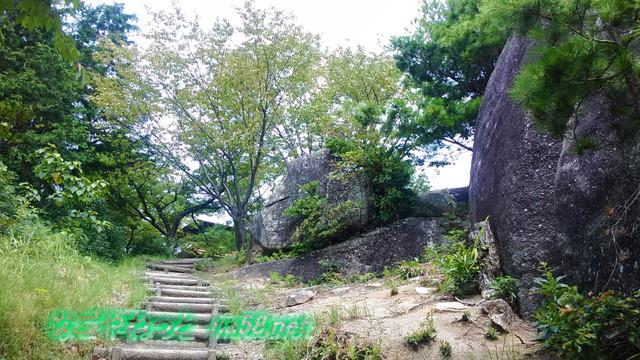 王滝渓谷のふくろうヶ城付近の巨岩の数々(愛知県豊田市)