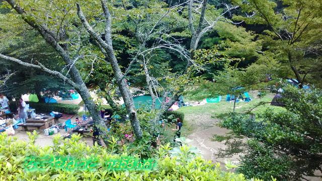 愛知県豊田市王滝渓谷、バーベキュー場を見下ろす