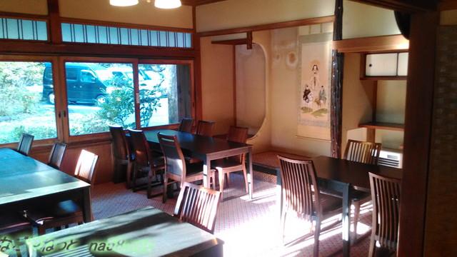 熱海ホテルパイプのけむり・朝食時レストランに明るい陽射し