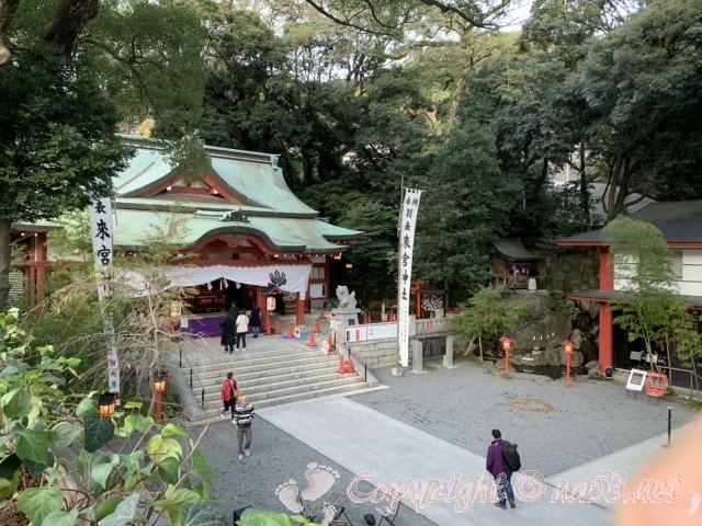 来宮神社(静岡県熱海市)参集殿二階からみる本殿