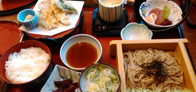 サガミでランチ・キッズに手巻き寿司ファミリー向き広い堀ごたつ(名古屋市北区)