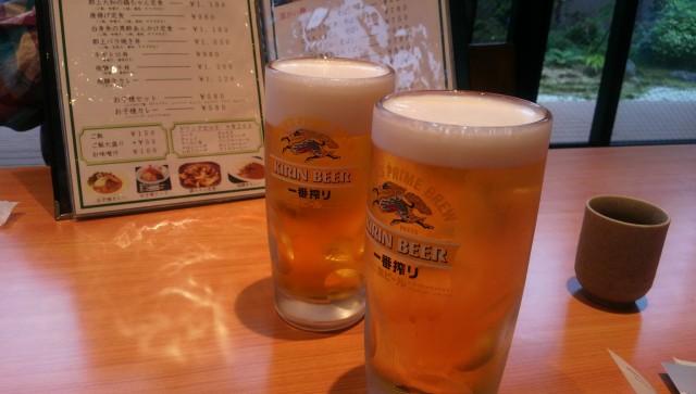 道の駅「古今伝授の里やまと」併設のやまと温泉のレストランでビール