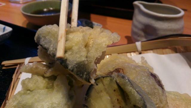道の駅「古今伝授の里やまと」併設のやまと温泉のレストランで旬彩天せいろのあゆの天ぷら