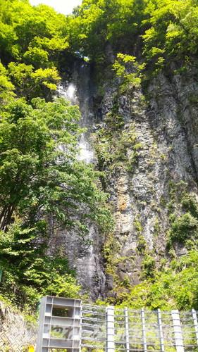 岐阜県白川町の東海の名瀑「阿弥陀ケ滝」全景