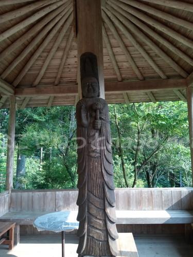 桂昌寺(岐阜県郡上市美並町)休憩所檀家さんの彫った円空仏