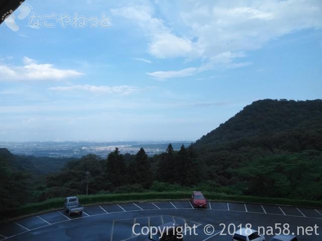 三重県菰野町「希望荘」客室デッキからの見晴らし