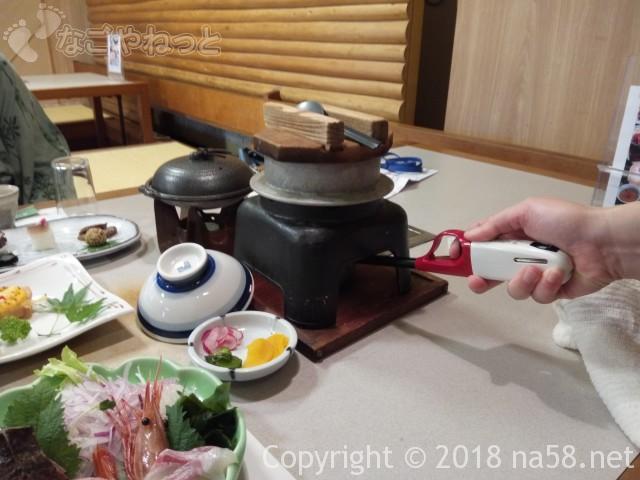 三重県菰野町「希望荘」の夕食会席料理のタイ釜飯