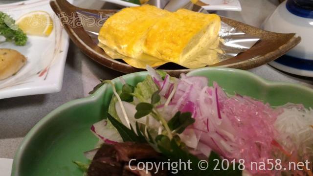 三重県菰野町「希望荘」の夕食会席料理、料理長からサービスの厚焼き玉子