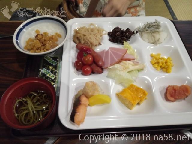 三重県菰野町「希望荘」の朝食バイキング料理
