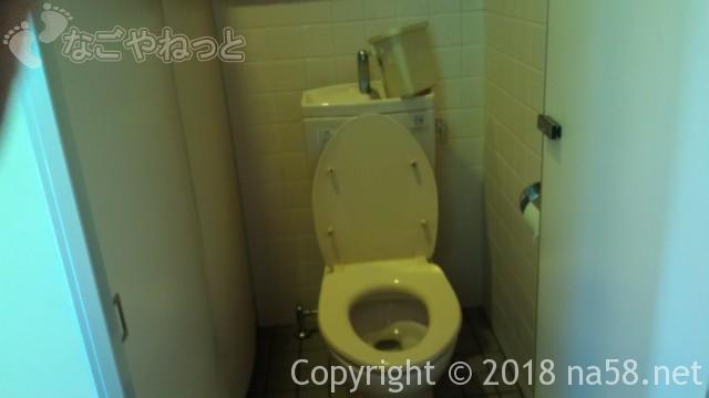 多度天然プール(三重県桑名市)の無料休憩所の横のトイレ女子用