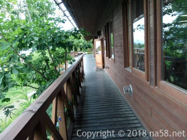八ヶ岳自然ふれあいセンター(山梨県北杜市)デッキからの景観