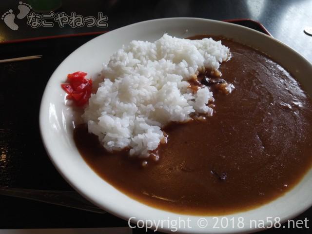 里山の湯(昭和銭湯)(ぎふ清流里山公園岐阜県美濃加茂市)の食堂でカレー