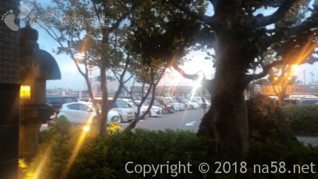 太閤天然温泉湯吉郎(とうきちろう)の駐車場