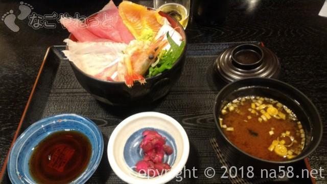 和合温泉「湯楽」の食事処「えびす」で海鮮丼七種盛り