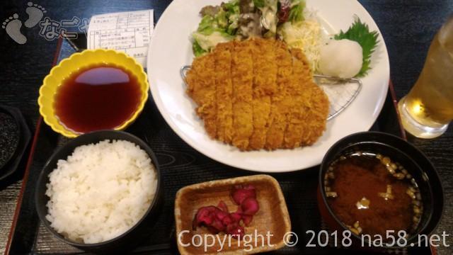 和合温泉「湯楽」の食事処「えびす」でロースかつ定食