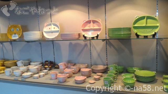 どんぶり会館道の駅(岐阜土岐市)子供用食器の数々