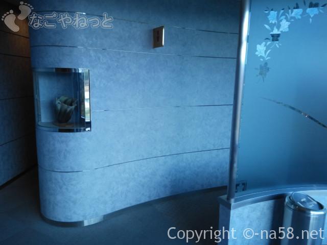 道の駅どんぶり会館(岐阜県土岐市)施設のトイレ付近