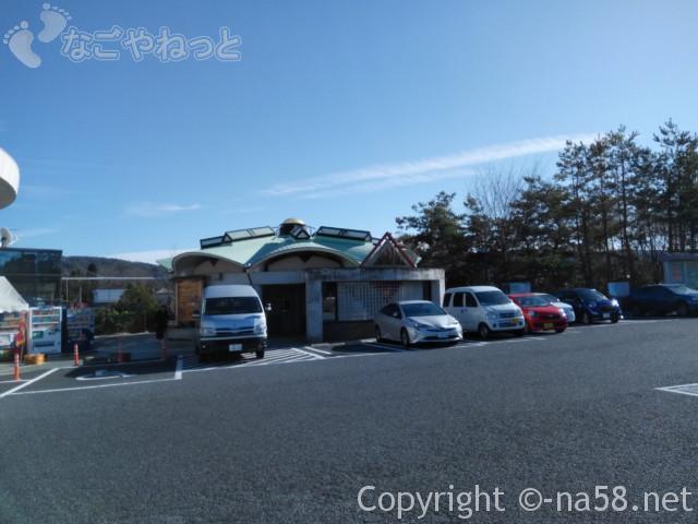 道の駅どんぶり会館(岐阜県土岐市)施設のトイレ外観