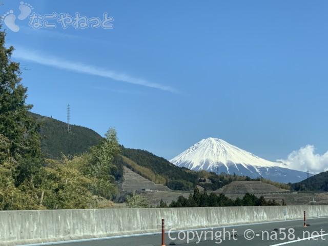 新東名のぼり絶景の富士山、3月中旬2019-03-14 11.10.29