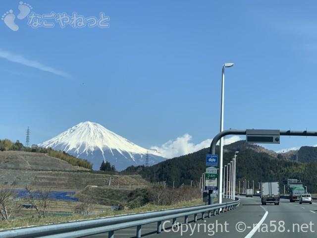 新東名のぼり絶景の富士山、3月中旬22019-03-14 11.10.44