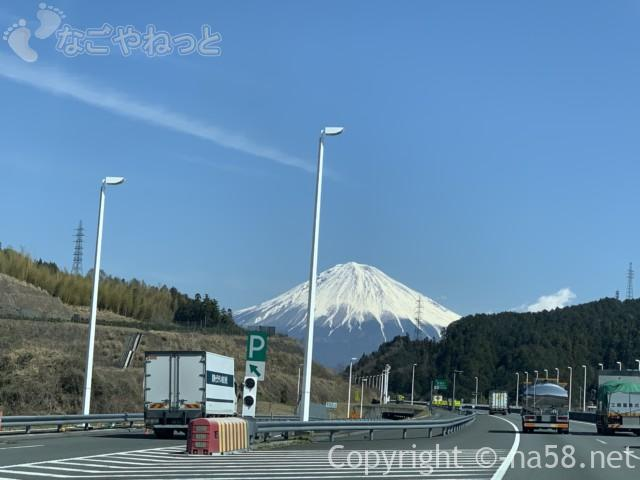 新東名のぼり絶景の富士山、3月中旬2019-03-14 11.10.59