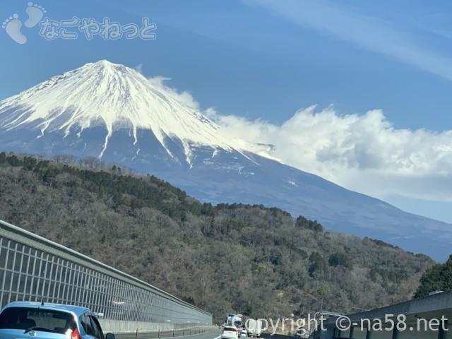 新東名のぼりからの富士山、徐々に遠ざかる2019-03-14 11.17.51