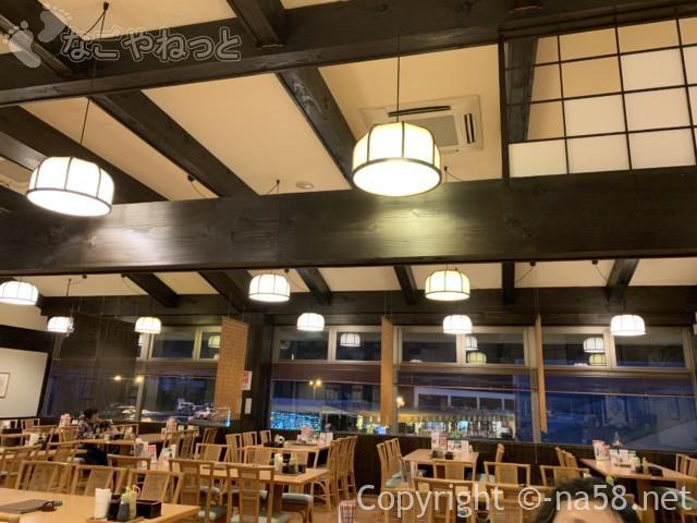 「百笑の湯」(静岡県伊豆市)のレストラン内