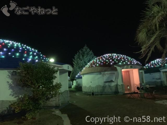 伊豆市時之栖のコテージ「オリーブの木」夜イルミネーションがともる様子