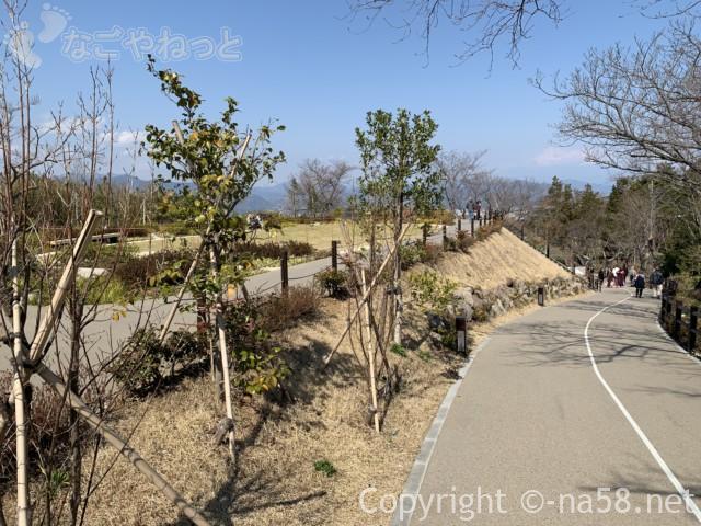日本平夢テラスへの道、無料駐車場から