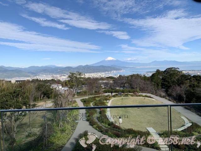 日本平夢テラス(静岡県静岡市)三階展望デッキ、テラスからの眺望、清水港と富士山