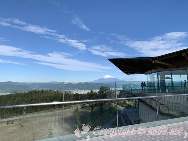日本平夢テラス(静岡県静岡市)三階展望デッキ、テラスからの眺望、富士山