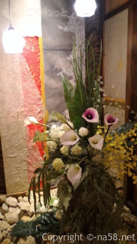 天空スパヒルズ・竜泉寺の湯、名古屋守山本店、階段近くの飾り