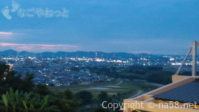 天空スパヒルズ・竜泉寺の湯、名古屋守山本店の立体駐車場からの夜景