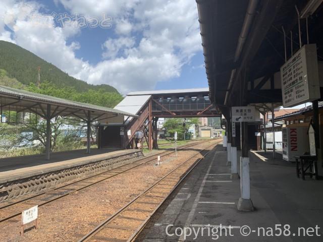郡上八幡駅の風景、線路・景色