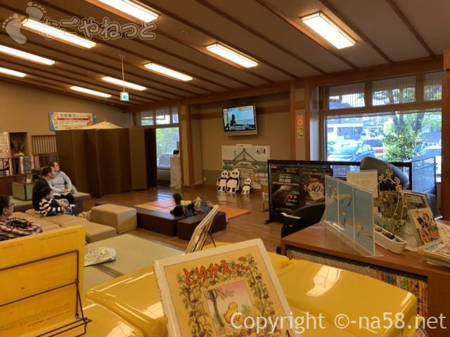 松竹温泉天風の湯(天然温泉・江南市)一階のいす休憩所