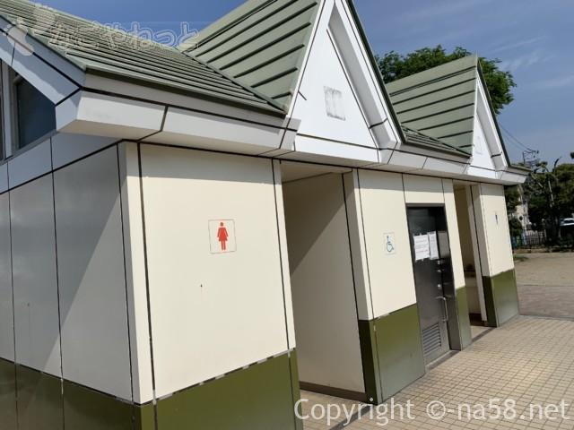 尾張津島藤まつり(愛知県津島市)公園内のトイレ