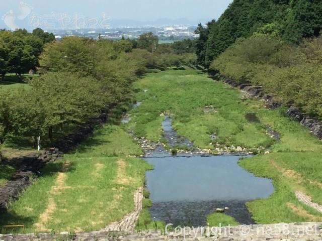 羽根谷だんだん公園(岐阜県海津市)の水遊び場の様子8月