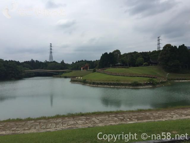 亀山ハイウェイオアシス(三重県亀山市)のサンシャインパーク、高塚池