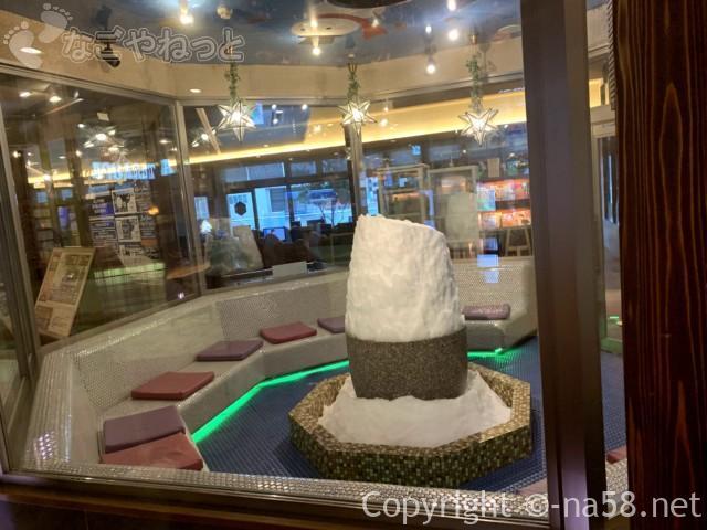 キャナルリゾート(名古屋市中川区)岩盤浴エリアの裄が降るきらテラス