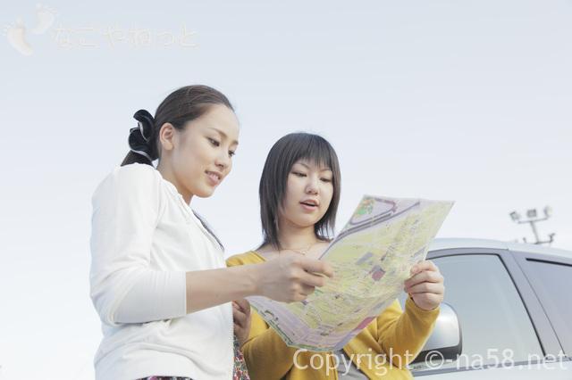 ドライブ旅行レジャー、若い女性二人